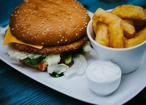 Vegetáriánus burger menü