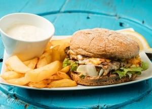 Deluxe tőkehalburger menü
