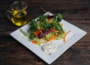 Friss zöld saláta